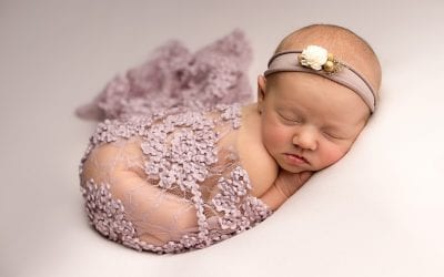 How to book a newborn session